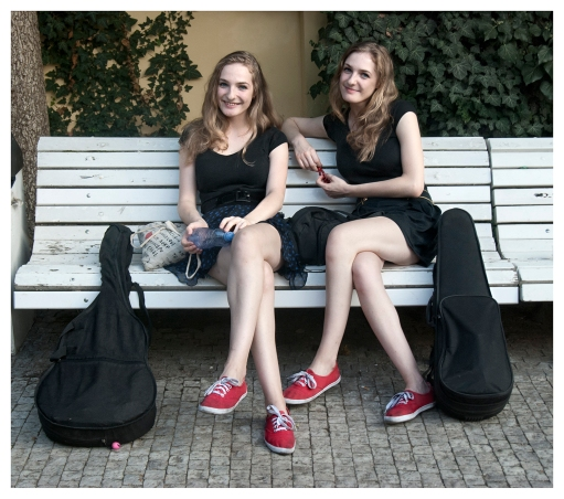 TBeeGirls, Duo musical eslovaco. Praga
