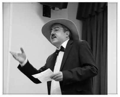 Alberto Caeiro en el IES. Príncipe Felipe. Noviembre 2017. Fotografía de José Luis Pérez Fuente retocada.