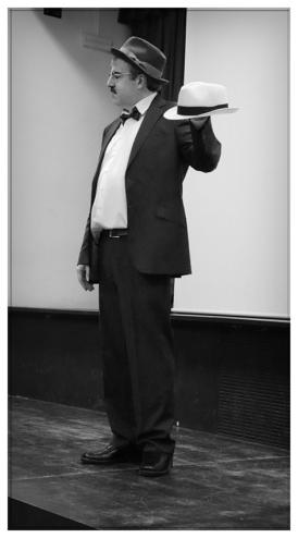 Pessoa en el IES. Príncipe Felipe. Noviembre 2017. Fotografía de José Luis Pérez Fuente retocada.
